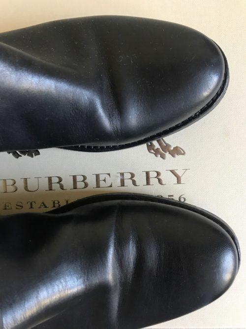 Kozaki Burberry