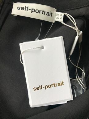 Sukienka self-portrait
